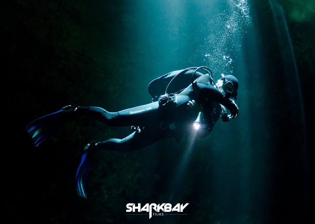 Cenote Diver