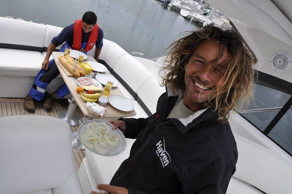 lunch onboard 1